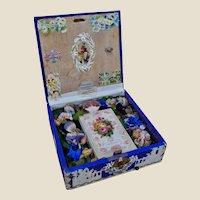 A beautiful and Victorian Valentine music box,