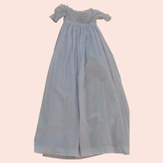 A beautiful and fine 19th century baby gown,
