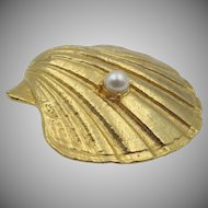 Vintage Hobe Clam Shell Faux Pearl Brooch Pendant