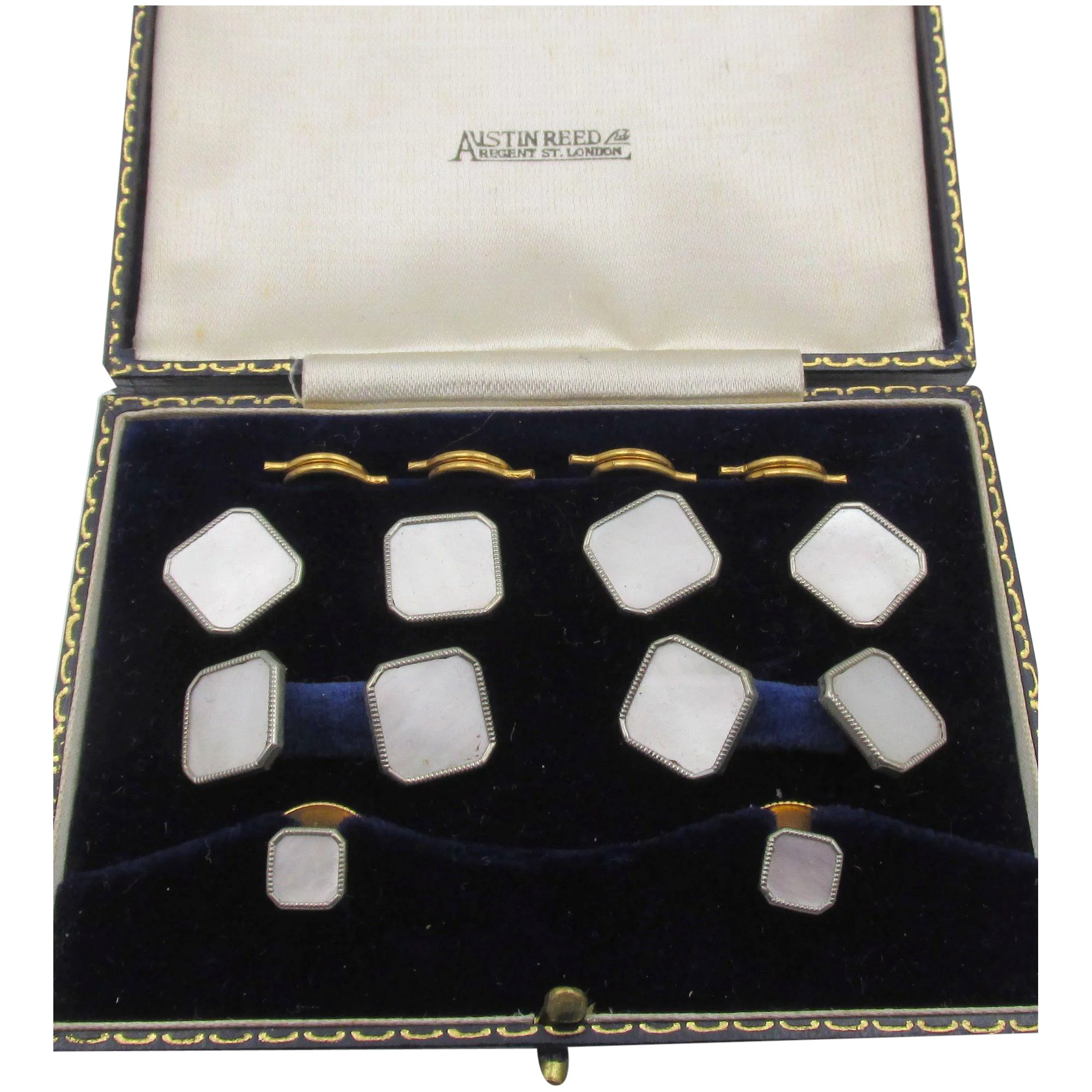 Vintage Austin Reed London Mother Of Pearl Men S Cufflink Button Set Chapel Hill Vintage Jewels Ruby Lane