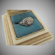 Antique Edwardian 18K White Gold Filigree Diamond Ring