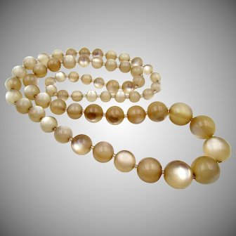 Vintage Graduated Carmel Moonglow 40 Inch Necklace