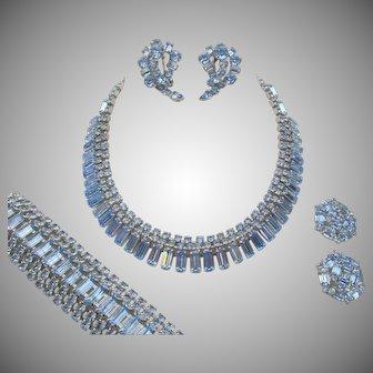 Exquisite Weiss Blue Rhinestone Grand Parure MINT