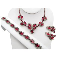 Vintage Weiss Red Halo Rhinestone Necklace, Bracelet and Earring Parure