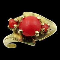 Vintage 18k Yellow Gold Red Coral Three Stone Ring