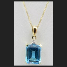 10k Yellow Gold Blue Topaz Pendant and Chain Necklace