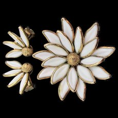 Crown Trifari Poured White Glass Flower Pin/Pendant and Earring Set