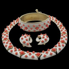 Signed Crown Trifari 1960s White Enamel and Coral Cabochon Necklace, Bracelet and Earrings