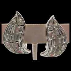 Sparkling Crown Trifari Paisley Shaped Baguette Crystal Rhinestone Earrings