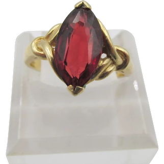 Vintage 14K Yellow Gold 11.5 x 6mm (1.3 carat) Marquise Garnet Ring