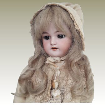 A Simon and Halbig 1079 doll