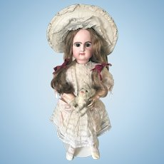 Rabery & Delphieu, closed mouth French Bebe