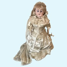 Bahr and Pothschild 309 German Bride doll