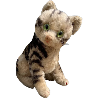 Larger size Steiff Susi Cat with button
