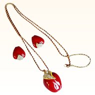 Kenneth Jay Lane- Red Apple Pedant/Necklace/Earrings Set Rope Chain Swarovski Crystals 18  KT GP