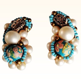 Hobe  1950's Stunning Climber Earrings Glass Beads/Faux Pearls Cluster Clip On Gold Plated