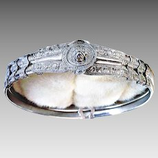 Judith Leiber Couture Lion Head Stretch Belt Ornate Design Expandable Silver-Plated Metal