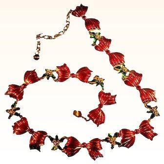 Metropolitan Museum Of Art (MMA) Unique Christmas Necklace Enameled Ribbon Bows  Mistletoe  18 KT GP