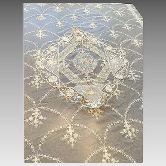 Exquisite Antique Lace Bedspread