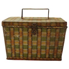Picnic Hamper with Folding Handle Biscuit Tin