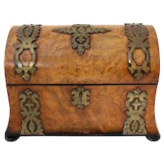Mid 19th Century English Burl Walnut Tea Caddy