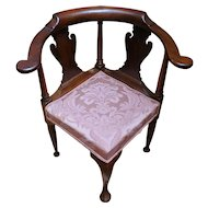 Queen Anne Corner Chair
