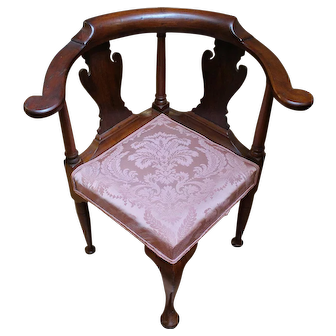 Queen Anne Corner Chair
