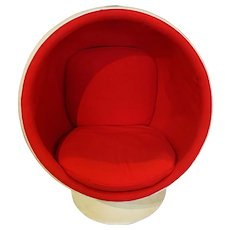 Eerio Aarnio Ball or Globe Chair