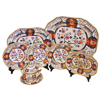 A splendid china service, 68 pieces of Spode's Imperial