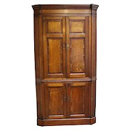 Georgian English Country Corner Cabinet