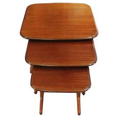 Mid Century Modern Nesting Tables- Set of 3