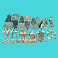 19th-20th Century English King by Tiffany Sterling Silver Flatware Set of 338 Pieces with Oak Case