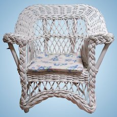 Very Vintage Wicker Doll Porch Chair