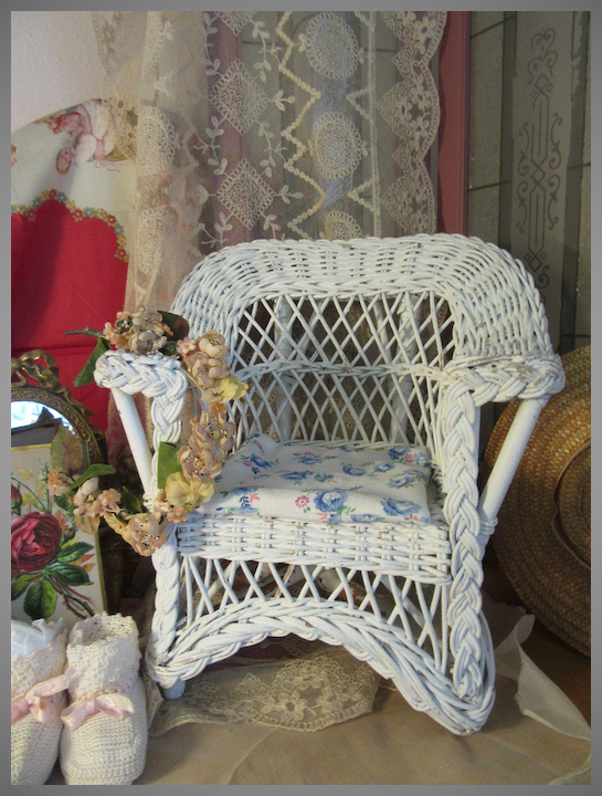 Charming And Chippy Antique Wicker Doll Porch Chair Emmie S Castle Ruby Lane