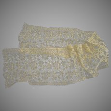 """34"""" Of Beautiful Antique Embroidered Lace"""