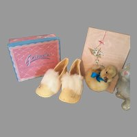 Precious Vintage Felt Baby Shoes With Box