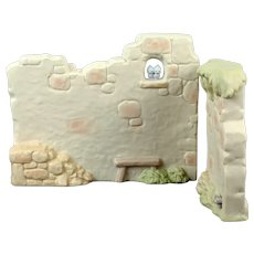 """Precious Moments """"Walls"""" for the Large Nativity Set"""