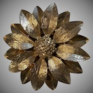 Vintage Sarah Coventry Daisy Brooch Wow!