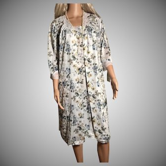"1996 ""Shadowline "" Blue Sage Print Nightgown & Robe New w/Tags (Old Stock)"