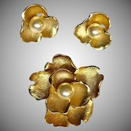 "Vintage Brushed Gold Tone Flower Brooch & Earrings w/Faux Pearl Centers "" Beautiful """