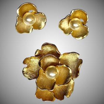 "Vintage Brushed Gold Tone Flower Brooch & Earrings w/Faux Pearl Centers "" Beautiful """
