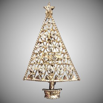 Christmas Tree w/Rhinestones Brooch by Eisenberg Ice