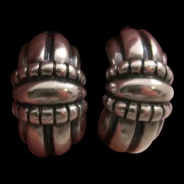 Retired James Avery Sterling Silver Thatch Design Earrings