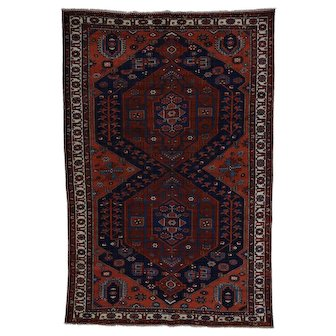 Antique Persian Bakhtiari Mint Condition Hand-Knotted Rug
