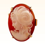 Pretty 14K Gold and Shell Cameo Ring Sz 7 1/4
