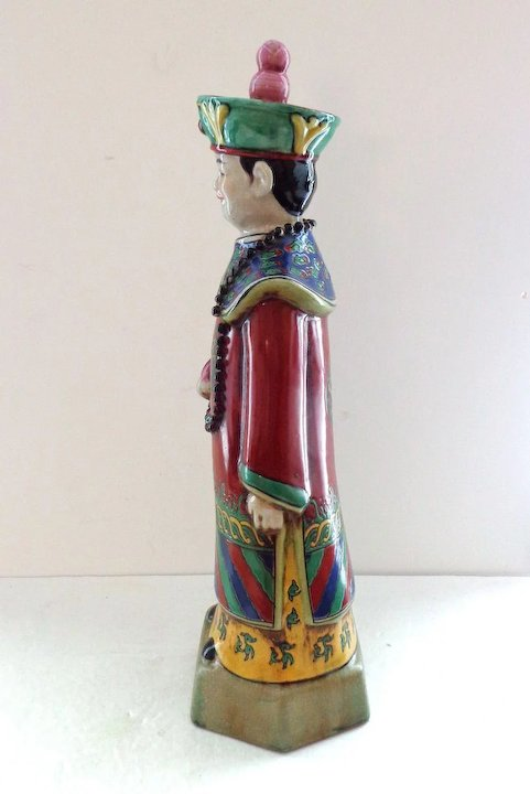 c5acc7512 Chinese Statue of Court Officer in Traditional Costume : That Was ...