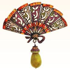 Large Glittery Heidi Daus Figural Fan Pin