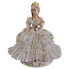 Ackermann & Fritz 8 Inch Dresden Lace Pretty Woman
