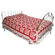 """Vintage Patchwork """"Flower Basket"""" Quilt"""