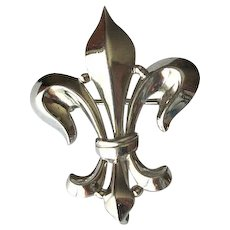 White Gold-Filled Fleur-de-Lis Fob Pin